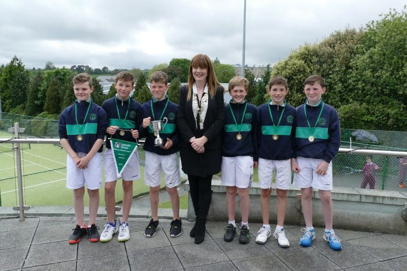 Scoil Bhride team with President Nickie Coffey
